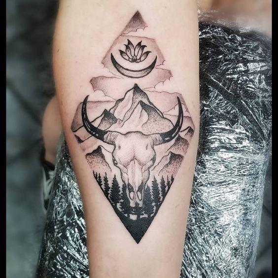 #tattoo by Luke today ,#geometrictattoo #taurustattoo #joondaluptattoo #lordoftheskins @lukeharding_tattooist