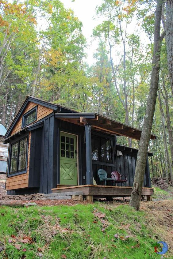 d5e692379b96690166f4a3e4bb28eee8 - 21 Perfect Tiny Cabins For Living Outdoors