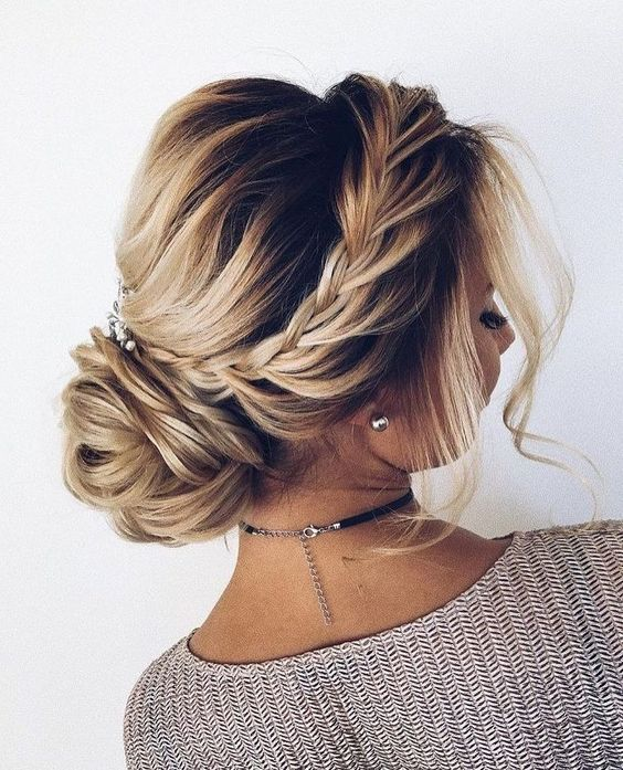 #Updo #WeddingUpdo #HalfUpdo #Hairstyles easy pretty updos low updos for short hair cute easy formal hairstyles cute and easy updo hairstyles pin up updo hairstyles cool hair updos