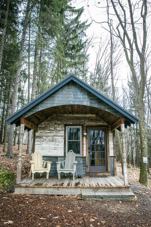 f9b52624941edf2f2d13835939606739 - 21 Perfect Tiny Cabins For Living Outdoors