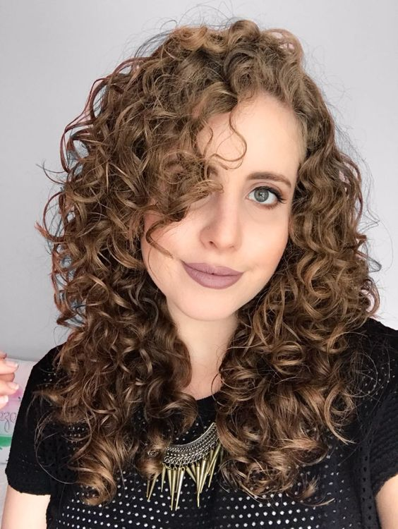 Cortes com franja para cabelo cacheado e ondulado - Beleza MistaBeleza Mista