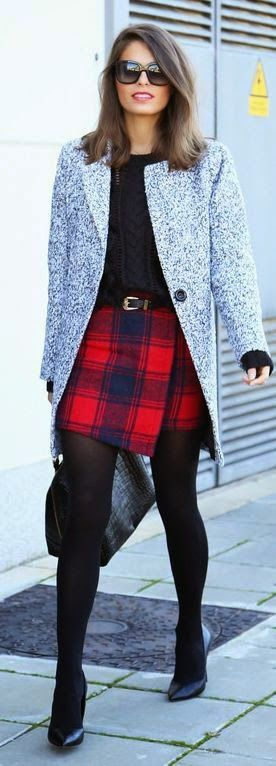 Street styles navy / red tartan skirt
