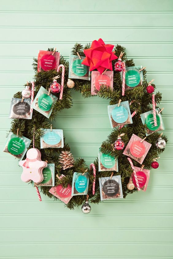 Tea lovers rejoice! We've made the perfect DIY wreath for you. Jazz up your holiday decor with your favourite tea sachets and tea-filled ornaments with wooden pins. Make it your own by adding candy canes, bows and ornaments.