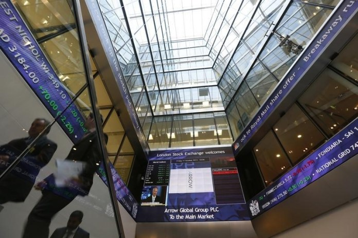 © Reuters. U.K. stocks lower at close of trade; Investing.com United Kingdom 100 down 0.53%