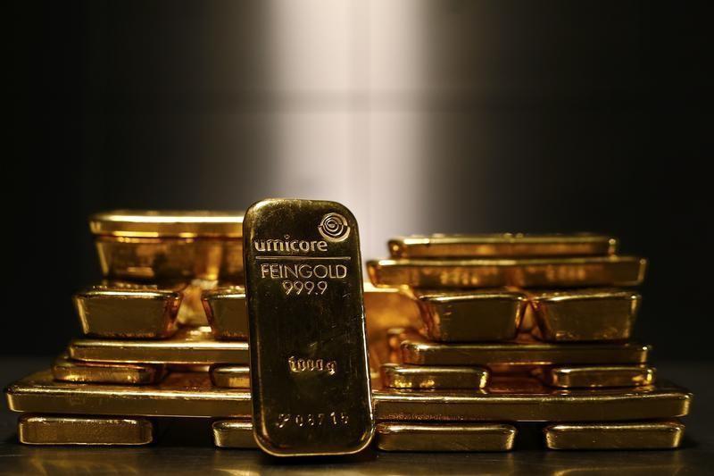 © Reuters. I futures dell'Oro in ribasso durante la sessione Asiatica
