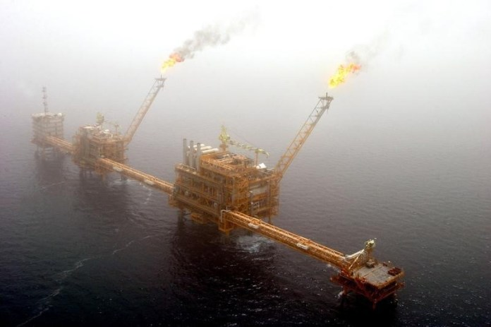 © Reuters. Crude oil was higher on Friday.