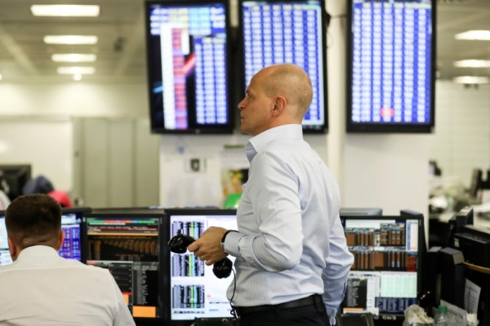 © -.  Netherlands stocks higher at close of trade; AEX up 0.04%