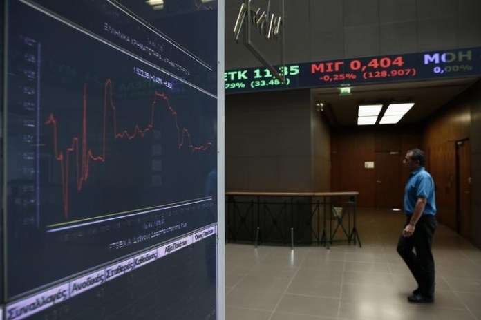 © Reuters. Greece stocks higher at close of trade; Athens General Composite up 0.76%