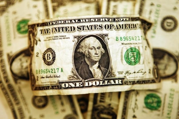 © Reuters.  Dollar steadies as strong U.S. inflation tempers chance of aggressive Fed rate cut