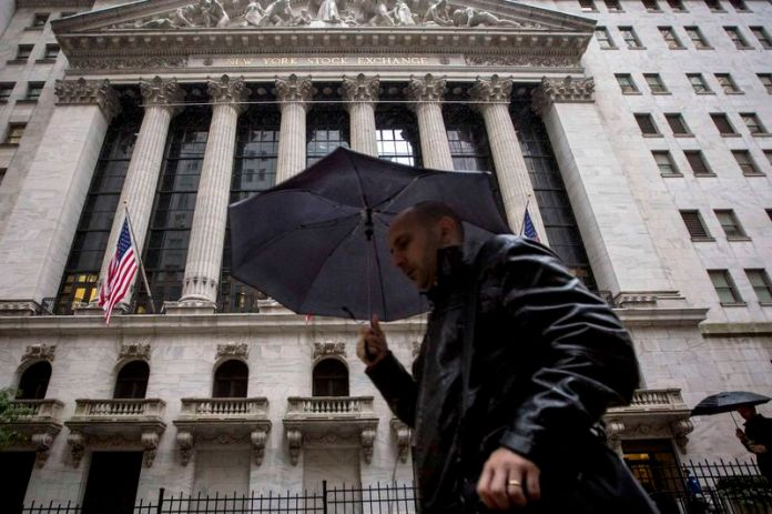 © -.  U.S. stocks lower at close of trade; Dow Jones Industrial Average down 1.41%