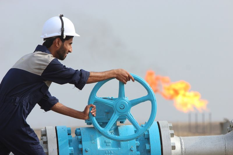 Il grande freddo negli USA mantiene il petrolio ai massimi di un anno