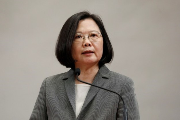 © Reuters. Taiwanese President Tsai Ing-wen attends a news conference to announce the new Presidential Office secretary-general in Taipei