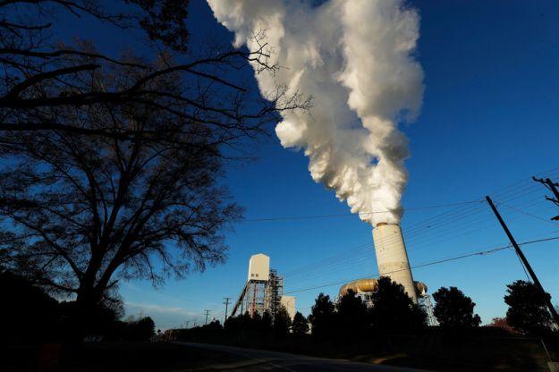 © GOOD BANQUE. Vue de la centrale Marshall de Duke Energy à Sherrills Ford