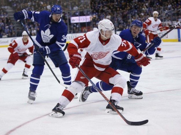 © Reuters. NHL: Detroit Red Wings at Toronto Maple Leafs