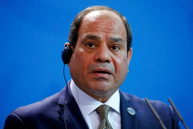 © Reuters. FILE PHOTO: Egyptian President Abdel Fattah al-Sisi speaks during a news conference at the Chancellery in Berlin