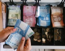 Chile's peso hits new historic low, again, amid festering violence By Reuters
