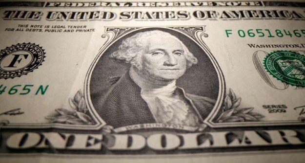 © Reuters. A U.S. Dollar banknote