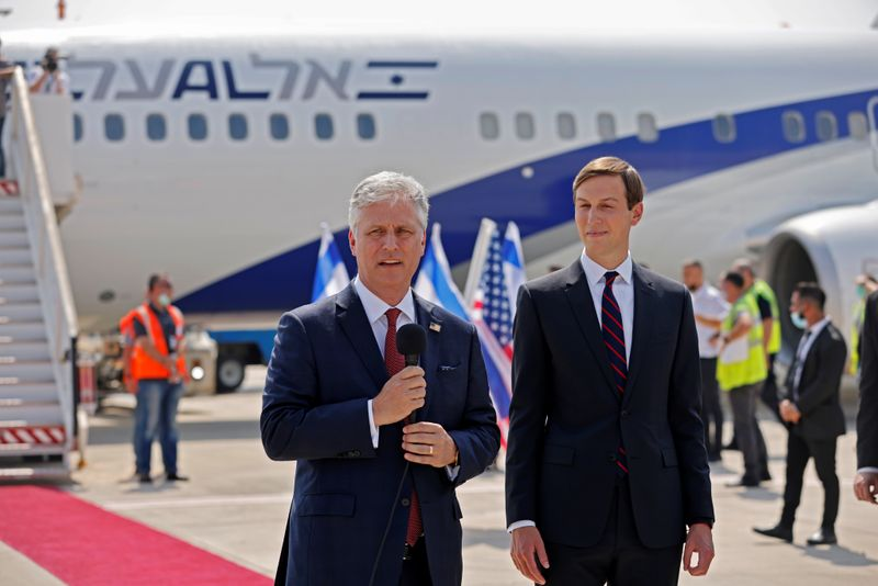 © Reuters. Israeli and U.S. officials to fly to UAE to cement 'normalisation' deal