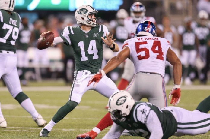 © Reuters. NFL: New York Giants at New York Jets