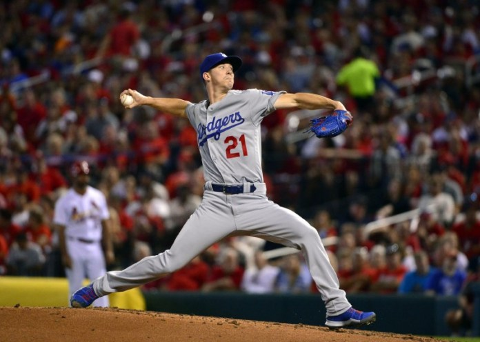 © Reuters. MLB: Los Angeles Dodgers at St. Louis Cardinals