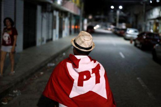 Resultado de imagem para PT pede ao TSE investigação contra campanha de Bolsonaro por abuso de poder econômico