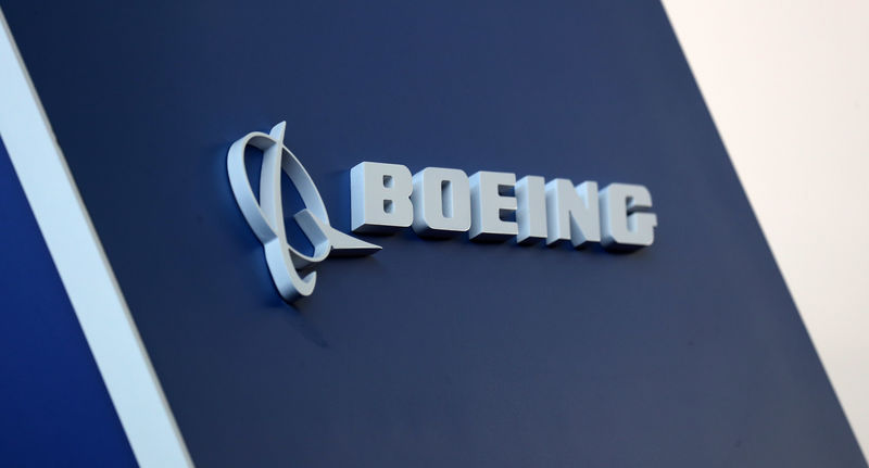© Reuters. FILE PHOTO: The Boeing logo is pictured at the LABACE fair in Sao Paulo