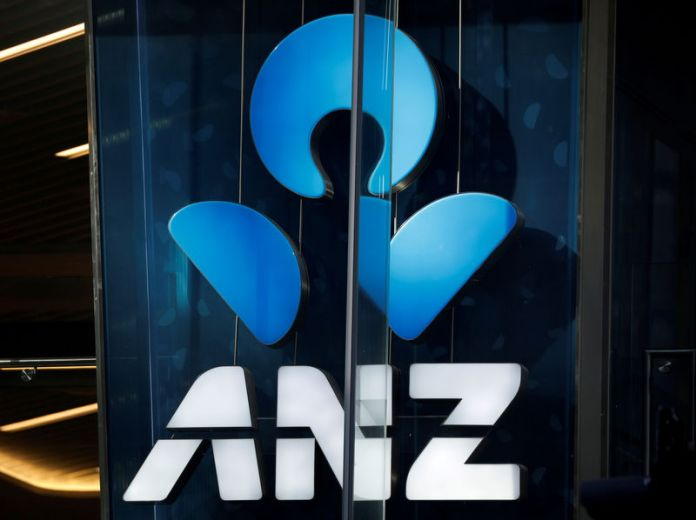 © Reuters. FILE PHOTO: An ANZ bank logo is pictured in Sydney