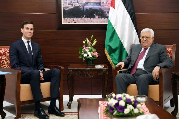 © -. FILE PHOTO: Palestinian President Abbas meets with White House senior advisor Kushner in Ramallah