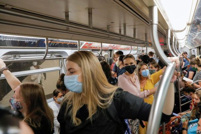 Exclusive: The United States plans to extend the mandate of the transport mask until January 18, according to sources