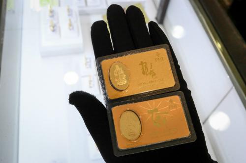 Giá vàng trong nước tăng giảm khó lường. Ảnh: Thành Nguyễn.