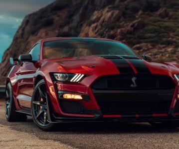 Самый мощный за всю историю Ford Mustang Shelby GT500 поступит в продажу осенью