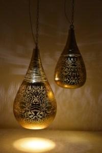 Indiase-hanglampen-small-filigrain-druppel-met-draadwerk-goudkleur-goudkleurig-te-koop-bij-winkel-Indistrieel-in-Middelburg-1.jpg