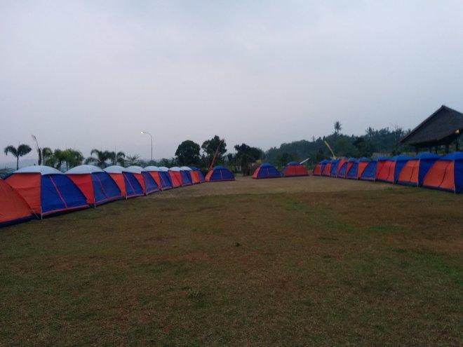 Tenda-tenda yang telah disiapkan oleh tim Hulu Cai.