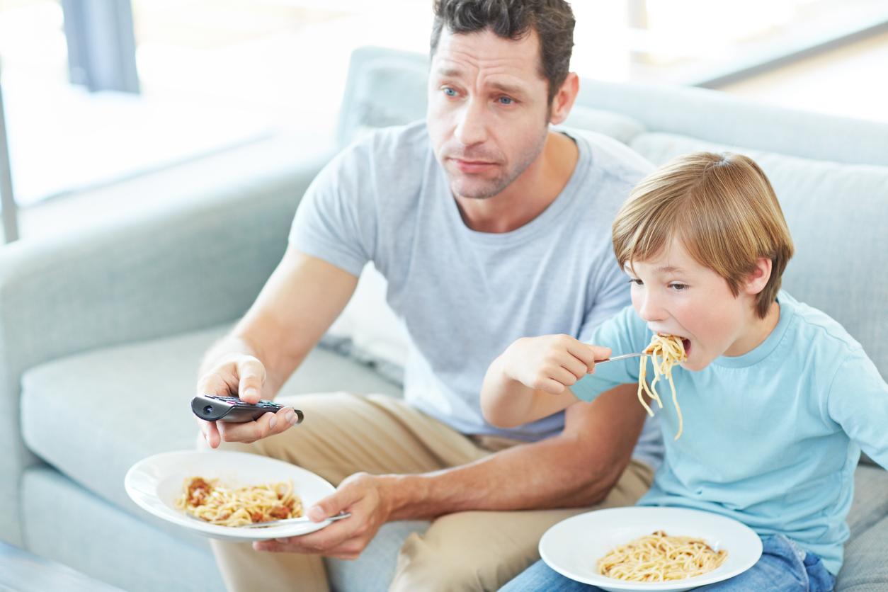 Le langage des enfants est moins développé si la télévision est allumée pendant les repas familiaux