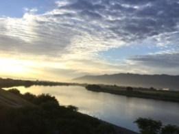 筑後川の夜明け