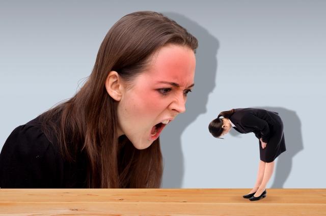 飲食店の店員が上司から怒られてるのを見ると食欲落ちるからやめてほしい