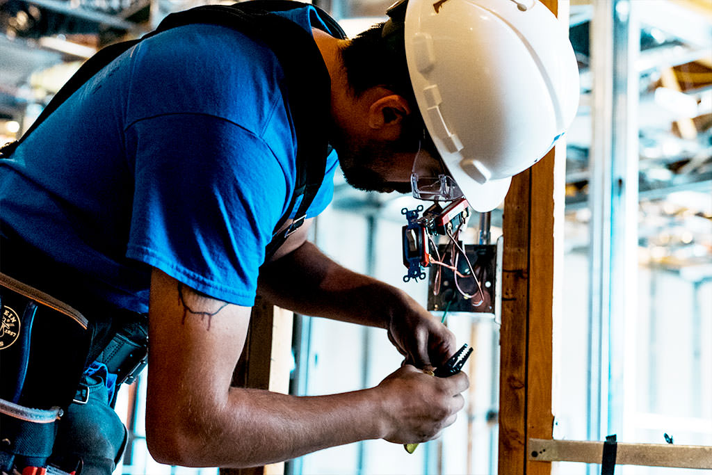 What S It Like To Work As An Electrician I Tap