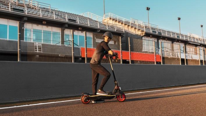 Cecotec Bongo Serie S Unlimited: el nuevo patinete eléctrico llega con batería extraíble y una velocidad máxima de 25 km/h