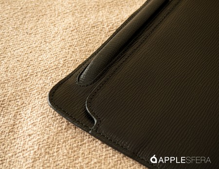 Black Corteccia iPad case