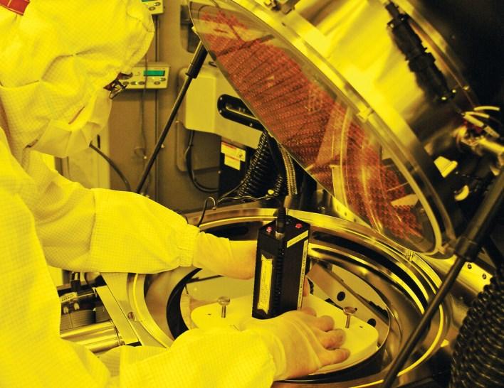 China saca pecho en plena crisis de los semiconductores: ha incrementado su capacidad de producción de chips en más de un 40%