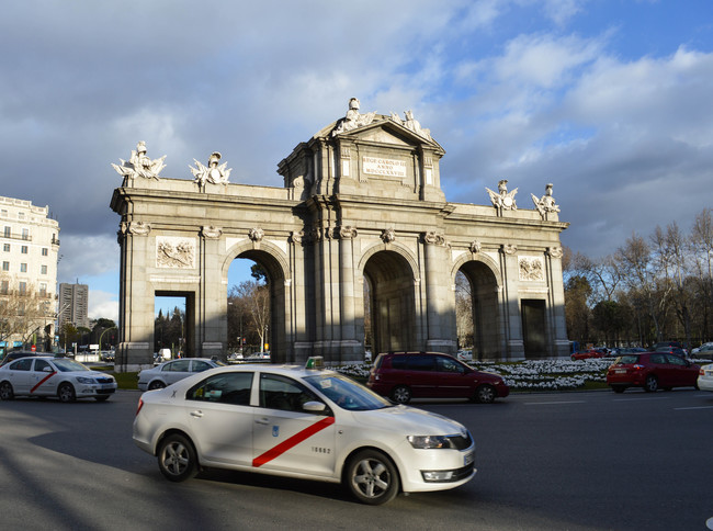"""Permalink to """"Si esto no se arregla, guerra, guerra, guerra"""": así sigue el conflicto entre taxistas y VTC en España"""