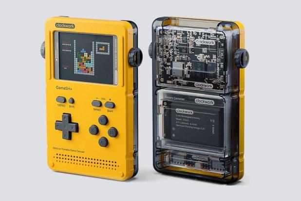 Esta consola portátil rinde homebaje a la Game Boy, la montas tú mismo y está basada en Linux