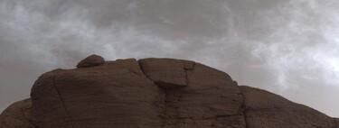 Curiosity captura las impresionantes nubes de Marte: grisáceas, brillantes y sorprendentemente parecidas a las nuestras
