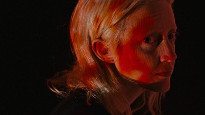 'Possessor Uncut': Brandon Cronenberg abraza la alargada sombra de su padre en una distópica orgía de violencia futurista