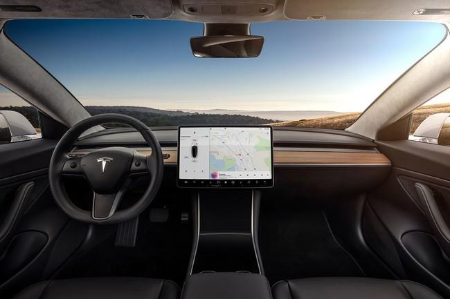Permalink to Los fabricantes de coches se empeñan en integrar pantallas táctiles y eso quizás sea una mala idea