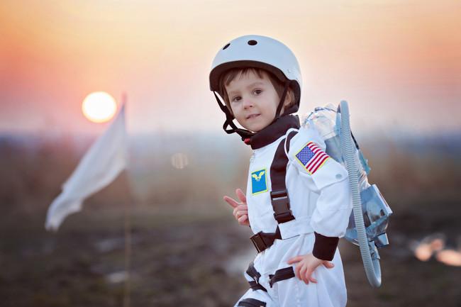 niño-astronauta