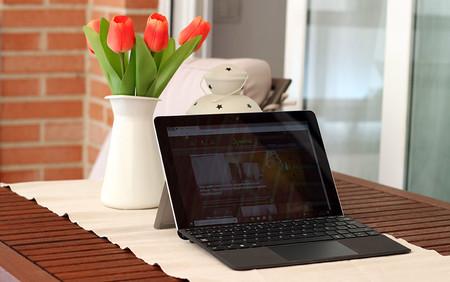 Surface Go 13