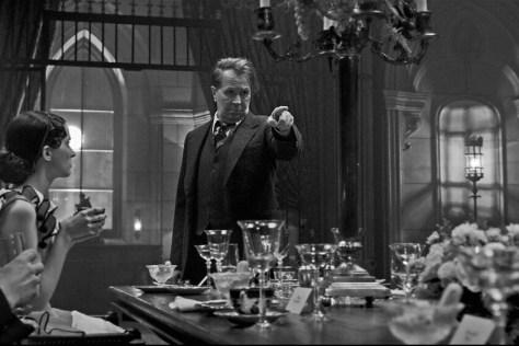 Gary Oldman als Hermann Mankiewicz in Mank Netflix recensie