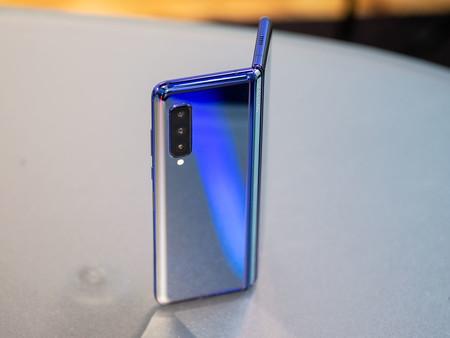 Samsung Galaxy Fold 03