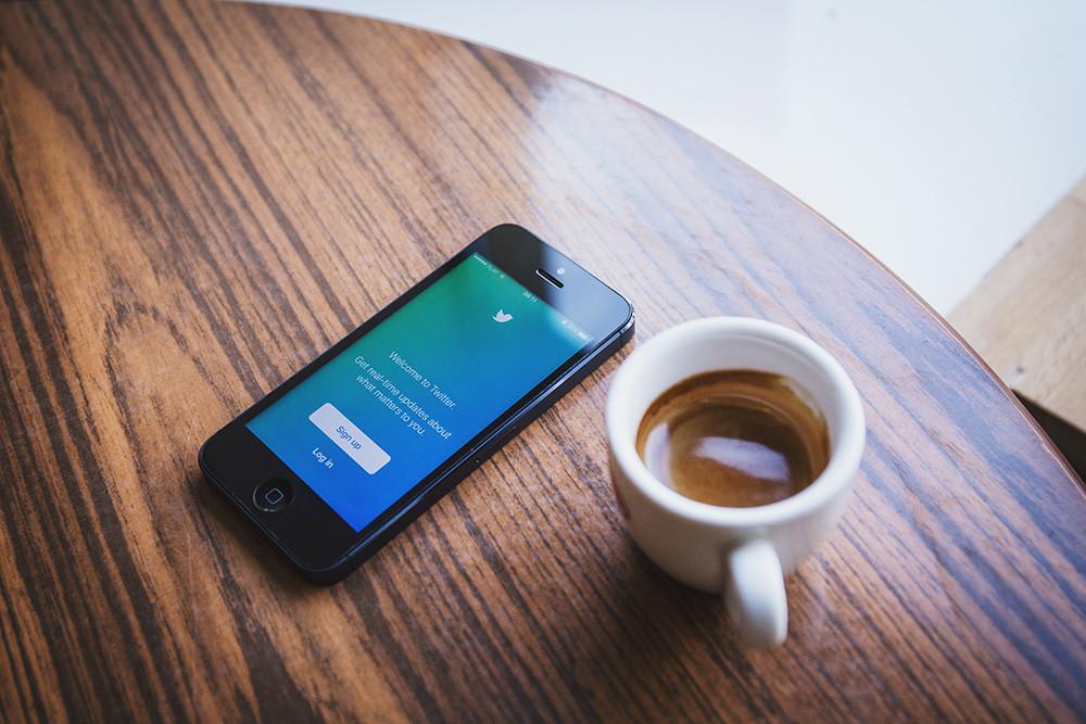 Twitter ya permite regresar el orden cronológico al timeline de algunos usuarios, así puedes probarlo